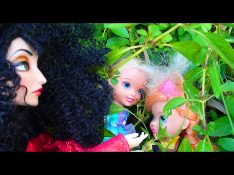 Elsa and Anna Toddlers Park Adventure - Elsya and Annya Show Toys and Dolls