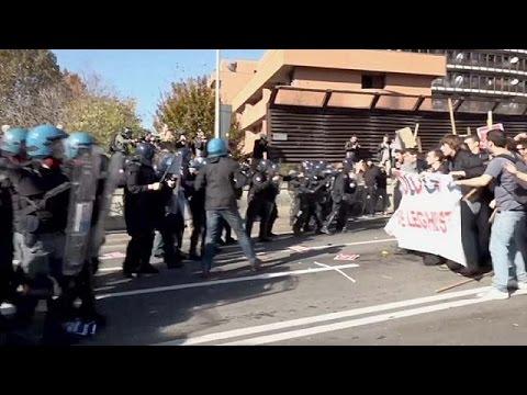 Ιταλία: Ένταση στη Μπολόνια με αφορμή τη συνάντηση Μπερλουσκόνι – Σαλβίνι