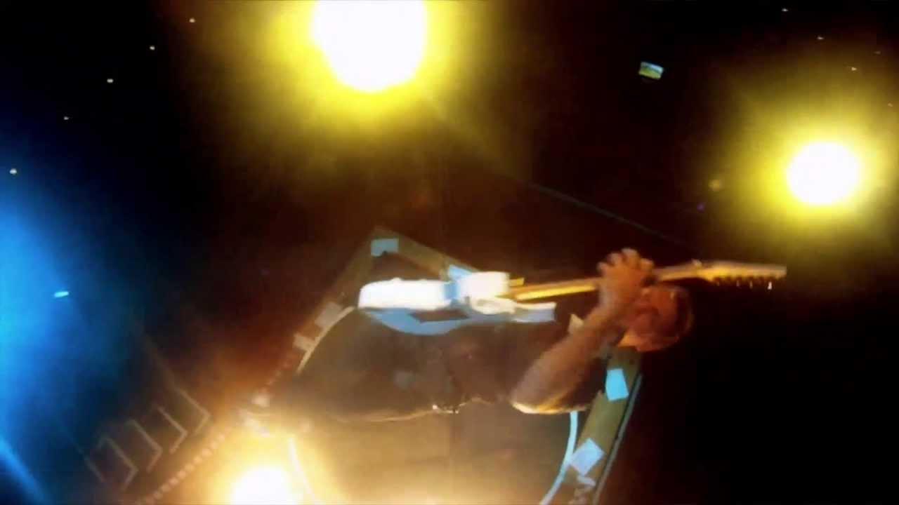 GRAHAM GILLOT – Guitar Legends & Flying Guitarist Act