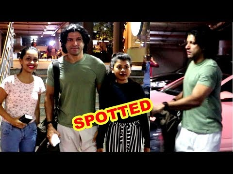 Farhan Akhtar Spotted At Mumbai  Airport