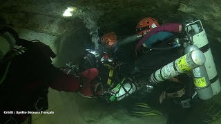 Video French divers offer to help Thai cave rescue MP3, 3GP, MP4, WEBM, AVI, FLV Juli 2018