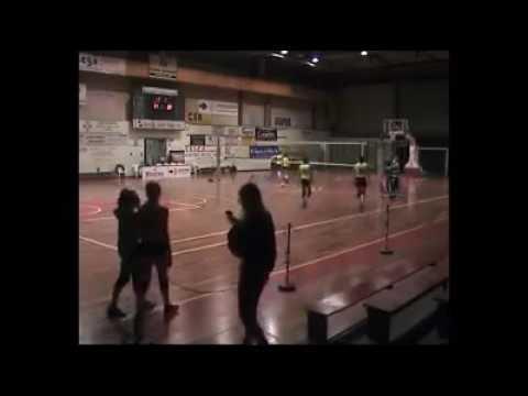 Terremoto, la scossa durante la partita di pallavolo VIDEO