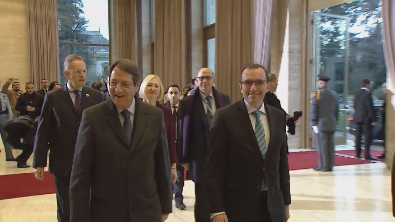 Άρχισαν οι διαπραγματεύσεις για το Κυπριακό, μεταξύ Αναστασιάδη-Ακιντζί, στη Γενεύη