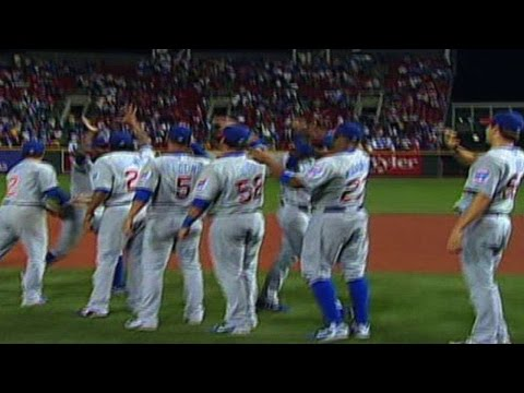 nl central - 9/28/07: Ryan Dempster gets Buck Coats to ground into a double play, ending the game and clinching the NL Central for the Cubs Check out http://m.mlb.com/vid...