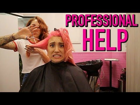 A PROFESSIONAL HAIR STYLIST FIXED MY HAIR! (видео)