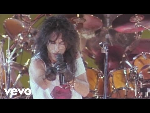 Alice Cooper - This Maniac's in Love with You (from Alice Cooper: Trashes The World)