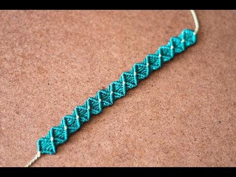 braccialetto realizzato in macramè
