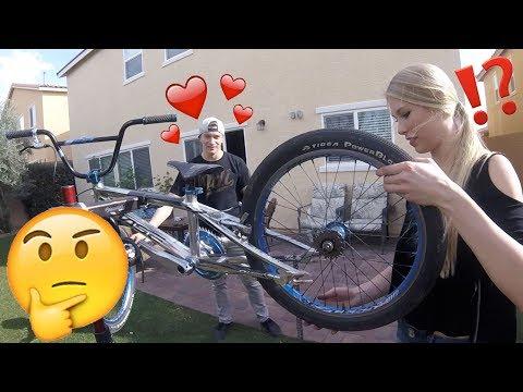 BMX GIRLFRIEND BIKE BUILD CHALLENGE (видео)