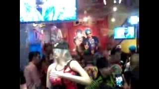 La Primera Tienda a nivel mundial de estos dos Grandes Del Reggaeton, En el Mall Plaza Cartagena !!!
