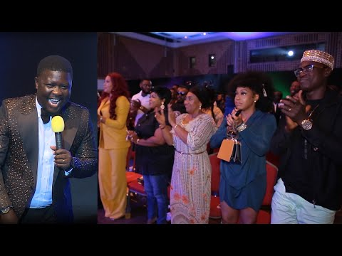 Comedian Seyi Law Receive Standing Ovation
