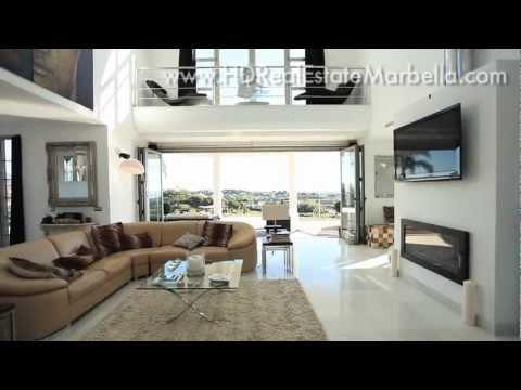 villa - Luxury Villa for sale in Marbella. A beautiful contemporary detached villa in the popular Los Flamingos development, Benahavis, Spain. A modern, open plan li...