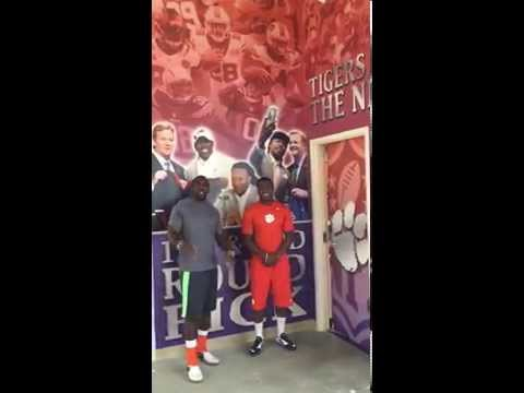 Clemson Football || Clemson NFL Locker Room Tour with C.J. Spiller and Jacoby Ford