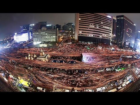 Ν. Κορέα: Μεγαλειώδης διαδήλωση κατά της προέδρου