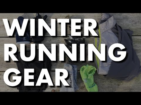 11 ESSENTIAL WINTER RUNNING GEAR & TIPS (& how to run in cold weather)