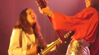 3/15 HAIM - Este's Bass Falls Apart During Little of Your Love @ Aragon Ballroom, Chicago 5/11/18