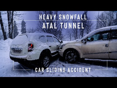 Dangerous snowfall in Atal tunnel accident | Tourists Stranded Near Atal Tunnel snowfall | Part 1