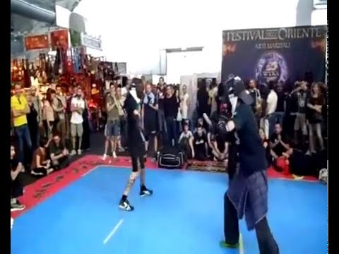 milan fashion silate - 3° Round Francesco Roviaro (Sarong); Instructor of Kali, Silat and Italian knife Style; Vs Samuele Capovilla.