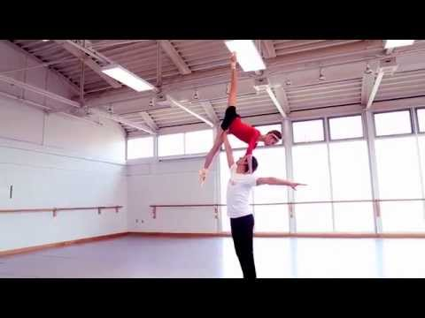 Balletdancers hardest moves in slowmotion