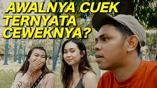 Video AWALNYA MEREKA CUEK TERNYATA BAIK JUGA DOUBLE KILL GOMBALIN CEWEK JAKARTA MP3, 3GP, MP4, WEBM, AVI, FLV April 2019