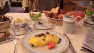 Video Paris Four Season George V Hotel - 3 Star Michelin Le Cinq - People Watching - Sight Seeing MP3, 3GP, MP4, WEBM, AVI, FLV Januari 2019