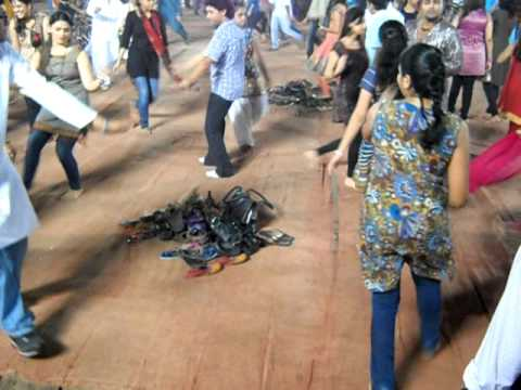 Garba Dandiya Dance Step 1