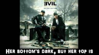 Bad Meets Evil - A Kiss[CLEAN WITH LYRICS ON SCREEN]