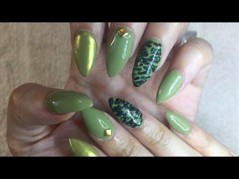 Uñas acrilicas - Uñas Acrílicas Camuflaje verde militar y efecto Oro