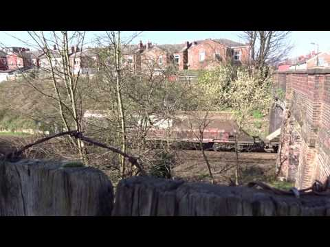 Freight train wagons in Edgeley, Stockport (видео)