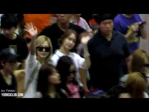 130719 Yoonsic in Taiwan Taoyuan Airport (видео)