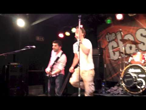The Clash of The Cover Bands - Lonely Boy (Halve regiofinale)
