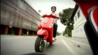 8. Vespa LX 50 4T 4V and LX 125 - Official Video