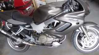 4. 2005 Honda Super Hawk VTR1000F V-Twin 1000cc sort bike tourer Two-Brothers Carbon $3500