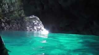 ダイビング未経験者でも十分に楽しめる人気スポット「青の洞窟」がお薦めです