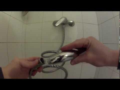 Comment changer un pommeau de douche ou un flexible.