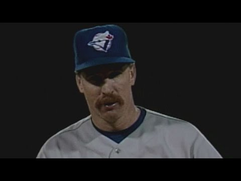 Video: 1992WS Gm1: Jack Morris fans seven over six innings