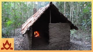 Man Builds A Primitive Hut