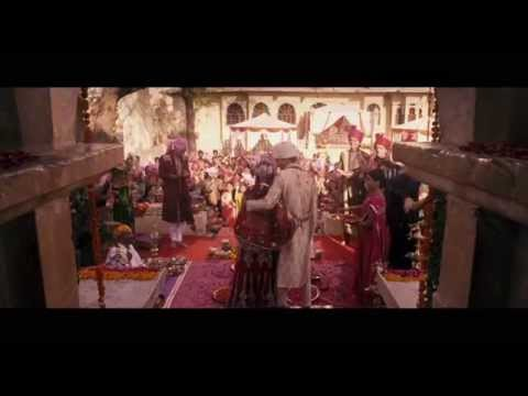 The Second Best Exotic Marigold Hotel (Featurette 'Returning to the Marigold Hotel')