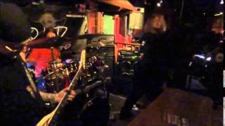 Video Old Cannibal - Insane (Live)