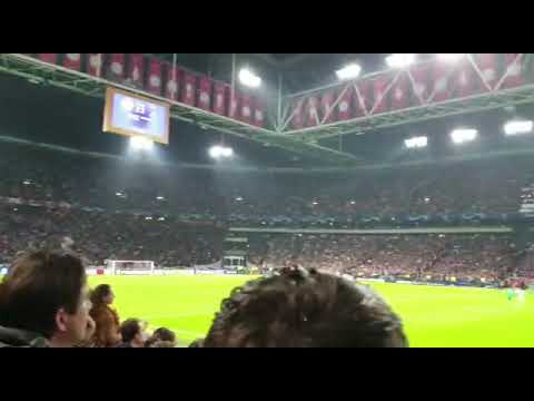 Amazing! Tottenham fans in dutch stands when Moura scores qualifying goal in Ajax - Tottenham 2-3