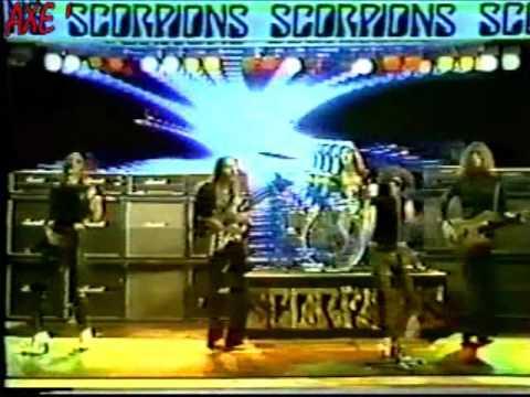 Tekst piosenki Scorpions - The Sails Of Charon po polsku