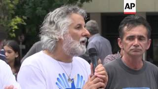 (4 Jan 2017) Argentine Falkland War veterans marched on Tuesday at the iconic Plaza de Mayo square in Buenos Aires to demand the government to stop any ...