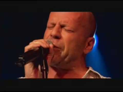 Bruce Willis - This is an AWESOME performance of Bruce Willis, singing Devil Woman at Sin City Premiere. Damn he's a real complete artist... enjoy the sound of Bruno's Blue...