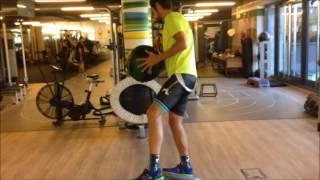 Lanzamientos laterales sobre bosu a una pierna