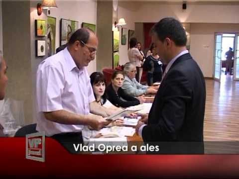 Vlad Oprea a ales