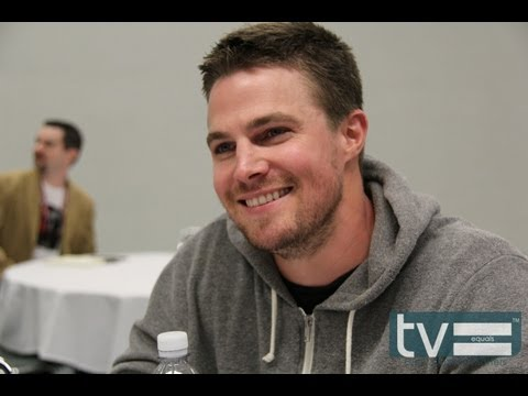 Arrow CW - Here is an interview with Stephen Amell who stars as Oliver Queen in The CW series
