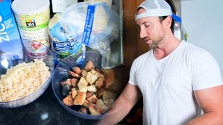 Are you a skinny guy? Get more tricks for gaining weight fast:http://www.weightgainblueprint.com/view/yt14tI know most guys struggle to eat enough calories to pack on a ton of mass in a short period of time so i wanted to show you how easy it is to cook an entire week's worth of food in about 1-1.5 hours in the kitchen.The best clean bulking meal prep will be structured in a way that you are cooking multiple things at once and has a nice system in place.In the video I show you how I cook my proteins, carbs, and prepare my healthy fats all separate and many times have I have three things cooking at once so I can be very efficient with my meal prep.Meal prep doesn't have to be torture, and it certainly does not have to take 3-4 hours like many guys are doing.In this clean bulking meal prep video I actually show you how to cook over 500 grams of protein and 1,000 grams of carbs in less than an hour.Meal prep for muscle building is a really important part, and I'd actually argue that it's more important than even going to the gym because without eating a healthy calorie surplus you are making it impossible to add muscle.Let me know what you think of the video and I look forward to making some clean bulking gains with you!See the full blog post here: http://www.weightgainnetwork.com/weight-gain-diets/clean-bulking-meal-prep-for-the-week.phpThe 7 Hardgainer Mistakes That Are Keeping You Skinny:★ http://www.weightgainblueprint.com/view/yt14tComplete Weight Gain Program:★ http://www.WeightGainBlueprint.com[ GET OUR LATEST VIDEOS ]Click here to subscribe:► http://bit.ly/Subscribe-To-WGNCheck out the rest of the videos:https://www.youtube.com/user/WeightGainNetwork/videos[ FIND US ONLINE ]Website:http://www.WeightGainNetwork.comFacebook:https://web.facebook.com/weightgainnetwork/Twitter:http://www.twitter.com/WeightGainNetGoogle+:https://plus.google.com/+WeightGainNetworkInstagram:http://instagram.com/MuscleTactics