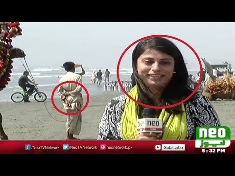 Video Funny Indian TV Reporter bloopers download in MP3, 3GP, MP4, WEBM, AVI, FLV January 2017