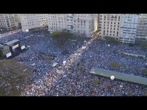رئاسيات الأرجنتين..مسيرة حاشدة دعما لمرشح التحالف الحاكم