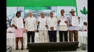 """15 mil productores celebran Día del Agricultor junto a Danilo Medina, """"el presidente más buena paga"""""""