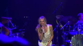 Nonton Debbie Gibson - Only In My Dreams . Chile 2014. Film Subtitle Indonesia Streaming Movie Download
